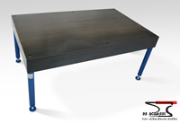 Welding table with 4 holes